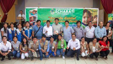 Inventor de la galleta antianémica compartió sus conocimientos con autoridades y actores sociales de Echarati