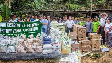 Beneficiarios de proyecto roya en Kepashiato reciben insumos y equipos para controlar plaga
