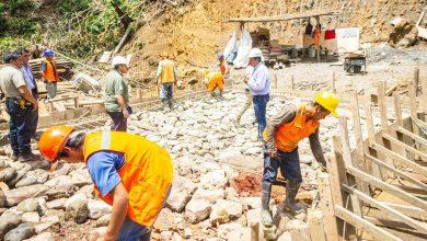 Construcción de carretera de aguas calientes en Kepashiato tiene un avance de 32%