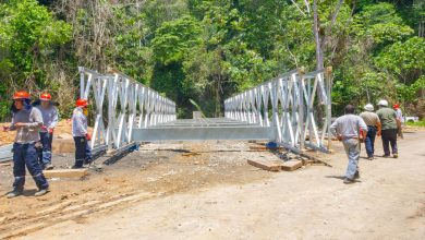 En Echarati se inició instalación de puentes modulares