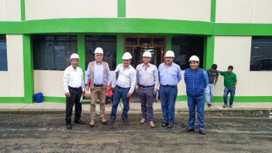 Regidor y funcionarios de la MDE supervisan ejecución de obras en Palma Real y Kepashiato