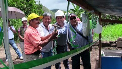 Entrega del sub sistema de riego tecnificado en los sectores de Pampa Echarati y Santa Genara